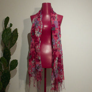 Accessories - Unlabeled Scarf